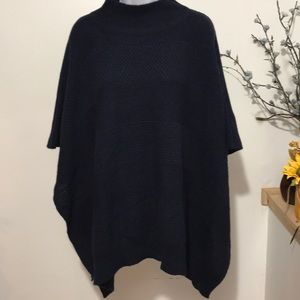 Ann Taylor Shrug and ponchos one Size-Navy blue